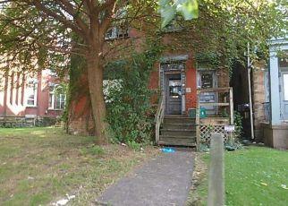 Casa en ejecución hipotecaria in Pittsburgh, PA, 15221,  ROSS AVE ID: F4202958
