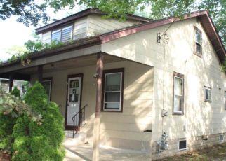 Casa en ejecución hipotecaria in Blackwood, NJ, 08012,  CRESSMONT AVE ID: F4203097