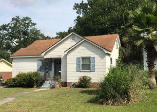 Casa en ejecución hipotecaria in Savannah, GA, 31404,  E 32ND ST ID: F4204021