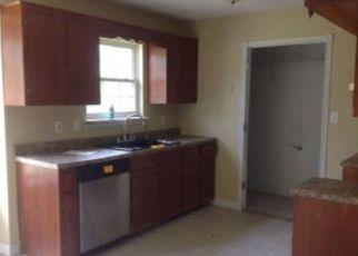 Casa en ejecución hipotecaria in Oak Grove, KY, 42262,  GOLDEN POND AVE ID: F4204174