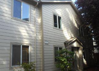 Casa en ejecución hipotecaria in Portland, OR, 97266,  SE BUSH ST ID: F4205228