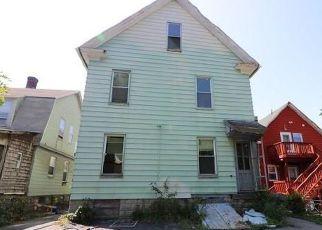 Casa en ejecución hipotecaria in Bridgeport, CT, 06607,  CARROLL AVE ID: F4205392