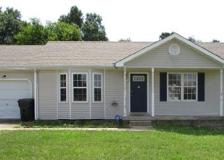 Casa en ejecución hipotecaria in Oak Grove, KY, 42262,  GOLDEN POND AVE ID: F4206104
