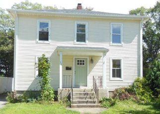 Casa en ejecución hipotecaria in West Warwick, RI, 02893,  EPWORTH AVE ID: F4208056