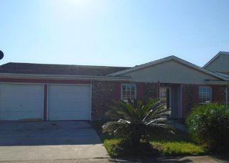 Casa en ejecución hipotecaria in Harvey, LA, 70058,  BARBWOOD DR ID: F4208517
