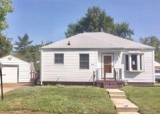 Casa en ejecución hipotecaria in Indianapolis, IN, 46218,  E 20TH ST ID: F4209214