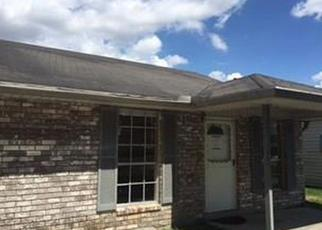 Casa en ejecución hipotecaria in Marrero, LA, 70072,  S OAK DR ID: F4209256