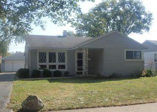 Casa en ejecución hipotecaria in Des Plaines, IL, 60018,  CEDAR ST ID: F4210161