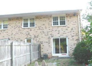 Casa en ejecución hipotecaria in Bristol, CT, 06010,  LAKESIDE DR ID: F4210574