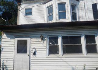 Casa en ejecución hipotecaria in Camden, NJ, 08105,  N 32ND ST ID: F4213256