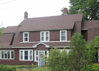 Casa en ejecución hipotecaria in Springfield, VT, 05156,  SOUTH ST ID: F4214251