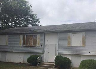 Casa en ejecución hipotecaria in Bay Shore, NY, 11706,  E 3RD AVE ID: F4215661