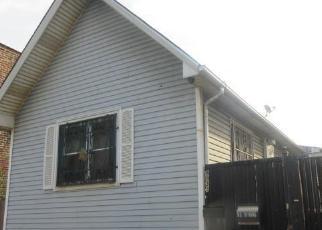 Casa en ejecución hipotecaria in Chicago, IL, 60617,  S EWING AVE ID: F4216165