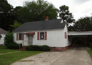Casa en ejecución hipotecaria in Wilson, NC, 27893,  CHURCHILL AVE SW ID: F4216966