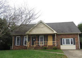 Foreclosure Home in Clarksville, TN, 37042,  WINDMEADE CIR ID: F4219050
