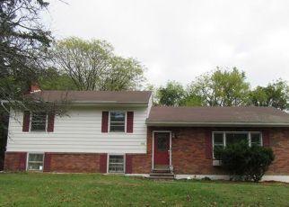 Casa en ejecución hipotecaria in New Windsor, NY, 12553,  HUDSON DR ID: F4219297