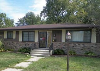 Casa en ejecución hipotecaria in Calumet City, IL, 60409,  PRICE AVE ID: F4219559