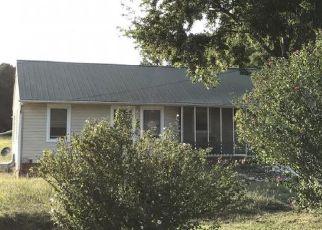 Casa en ejecución hipotecaria in Albemarle, NC, 28001,  OLD AQUADALE RD ID: F4219958