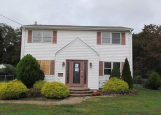Casa en ejecución hipotecaria in Williamstown, NJ, 08094,  PINE ST ID: F4220405
