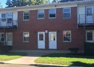 Casa en ejecución hipotecaria in Bay Shore, NY, 11706, C HEMLOCK DR ID: F4220492