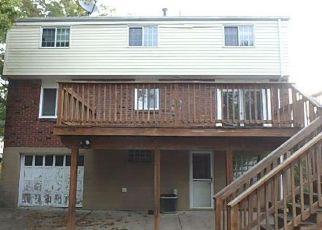 Casa en ejecución hipotecaria in Pittsburgh, PA, 15235,  CRESCENT GARDEN DR ID: F4220598