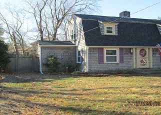 Casa en ejecución hipotecaria in Barrington, RI, 02806,  MASSASOIT AVE ID: F4220903