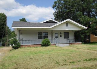 Casa en ejecución hipotecaria in Holdenville, OK, 74848,  COUNTRY CLUB DR ID: F4221027