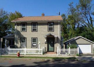 Casa en ejecución hipotecaria in Meriden, CT, 06450,  HOBART ST ID: F4221230