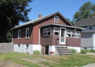 Casa en ejecución hipotecaria in Coventry, RI, 02816,  BROAD ST ID: F4222174
