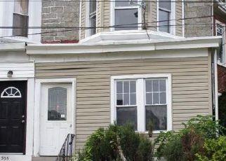 Casa en ejecución hipotecaria in Darby, PA, 19023,  BEECHWOOD AVE ID: F4222380