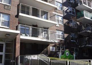 Casa en ejecución hipotecaria in Bronx, NY, 10467,  OLINVILLE AVE ID: F4222970