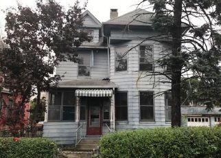 Casa en ejecución hipotecaria in Bridgeport, CT, 06607,  5TH ST ID: F4223362
