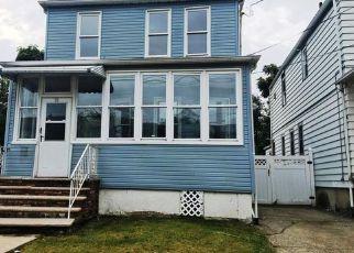 Casa en ejecución hipotecaria in Paterson, NJ, 07514,  E 36TH ST ID: F4223541