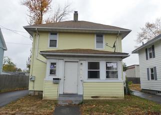 Casa en ejecución hipotecaria in East Hartford, CT, 06108,  CLUNE CT ID: F4224057