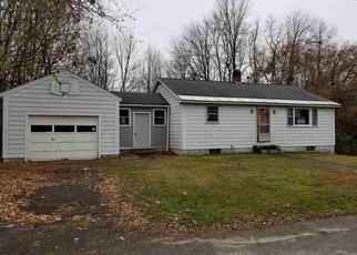 Casa en ejecución hipotecaria in Milford, NH, 03055,  OAK ST ID: F4224788