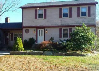 Casa en ejecución hipotecaria in East Greenwich, RI, 02818,  CARRS POND RD ID: F4225213