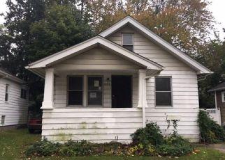 Foreclosure Home in Royal Oak, MI, 48067,  SAINT CHARLES CT ID: F4225461