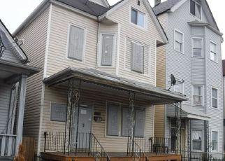 Casa en ejecución hipotecaria in Chicago, IL, 60617,  S AVENUE L ID: F4227189