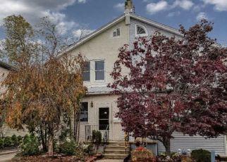 Casa en ejecución hipotecaria in Darby, PA, 19023,  CLIFTON AVE ID: F4227806