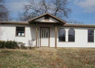 Casa en ejecución hipotecaria in Fort Worth, TX, 76105,  BURTON AVE ID: F4228184