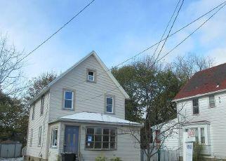 Casa en ejecución hipotecaria in Rochester, NY, 14622,  OSAGE ST ID: F4228466