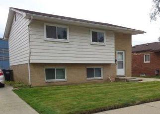 Casa en ejecución hipotecaria in River Rouge, MI, 48218,  SUPERIOR ST ID: F4228709