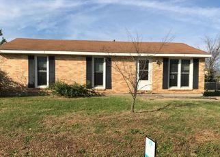 Casa en ejecución hipotecaria in Hopkinsville, KY, 42240,  HERMITAGE DR ID: F4228822