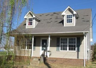 Casa en ejecución hipotecaria in Oak Grove, KY, 42262,  WATERFORD DR ID: F4228836