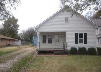 Casa en ejecución hipotecaria in El Dorado, KS, 67042,  S EMPORIA ST ID: F4228873