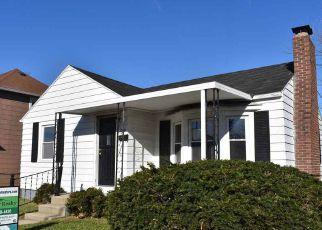 Casa en ejecución hipotecaria in New Castle, IN, 47362,  A AVE ID: F4228923