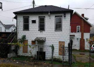 Casa en ejecución hipotecaria in Huntington, WV, 25704,  MADISON AVE ID: F4229952