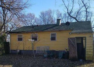 Casa en ejecución hipotecaria in Indianapolis, IN, 46218,  E 23RD ST ID: F4233264