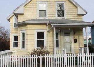 Casa en ejecución hipotecaria in Worcester, MA, 01610,  CLAPP ST ID: F4233606