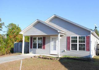Casa en ejecución hipotecaria in Richlands, NC, 28574,  SNOW BELL CT ID: F4234118